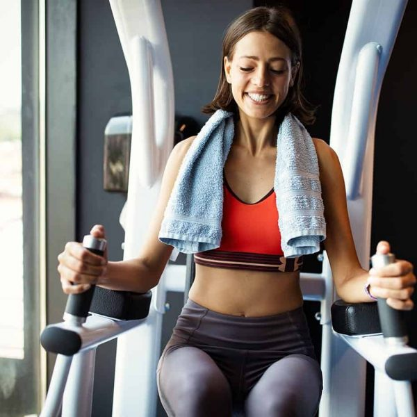 beautiful-fit-women-working-out-in-gym-H5TXAUT-min.jpg